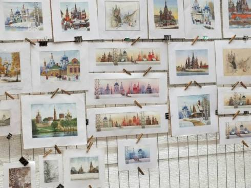 Beautiful Russian cityscape art that I was tempted to buy but the seller had disappeared.