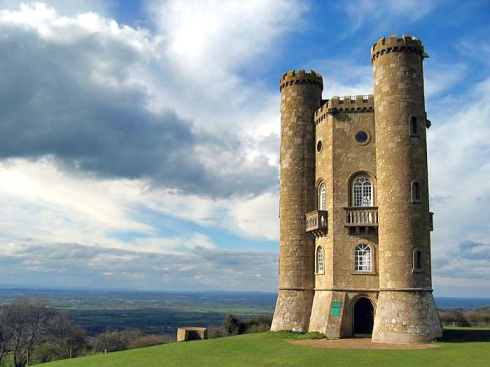 Broadway Tower. (Wikipedia)