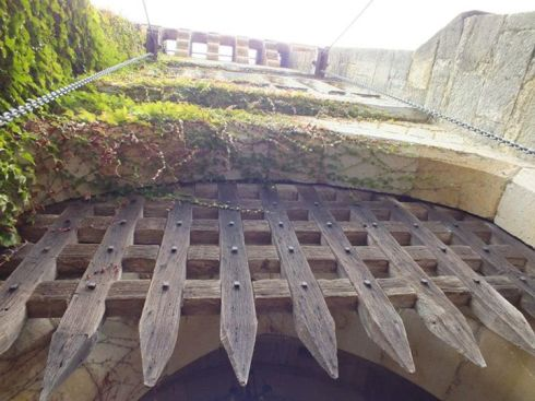 Great portcullis and moat!