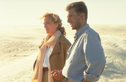 Kristin Scott Thomas and Ralph Fiennes in The English Patient (phot from IMDB).