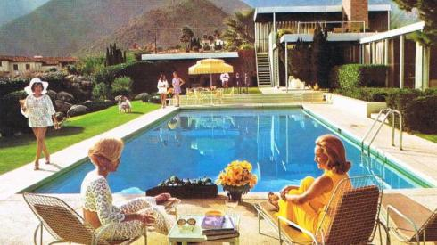 This is The Fox residence pool in Chatsworth, which apparently hosted the very last photo shoot of Marilyn Monroe. It was built in 1951and went up for sale in 2011 for $12m.