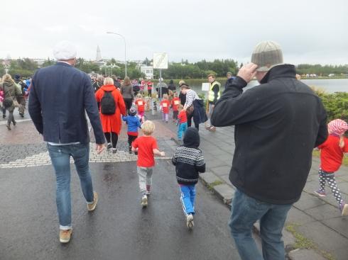 Running along Skothúsvegur.